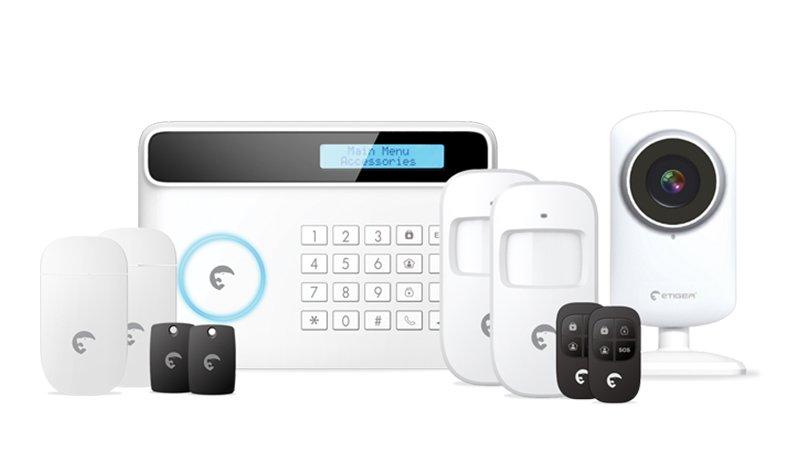 Système d'alarme avec video-suveillance et transmetteur GSM et ligne fixe